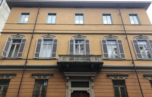 Prelios Agency advisor on a property deal in Turin