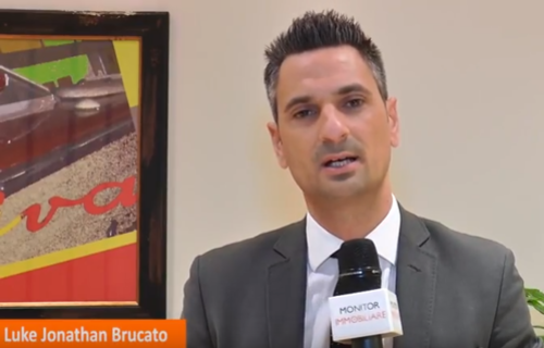 "MONITORIMMOBILIARE.IT - Luke Brucato interviewed at the end of the conference: ""Rendiamo solido il mattone"""