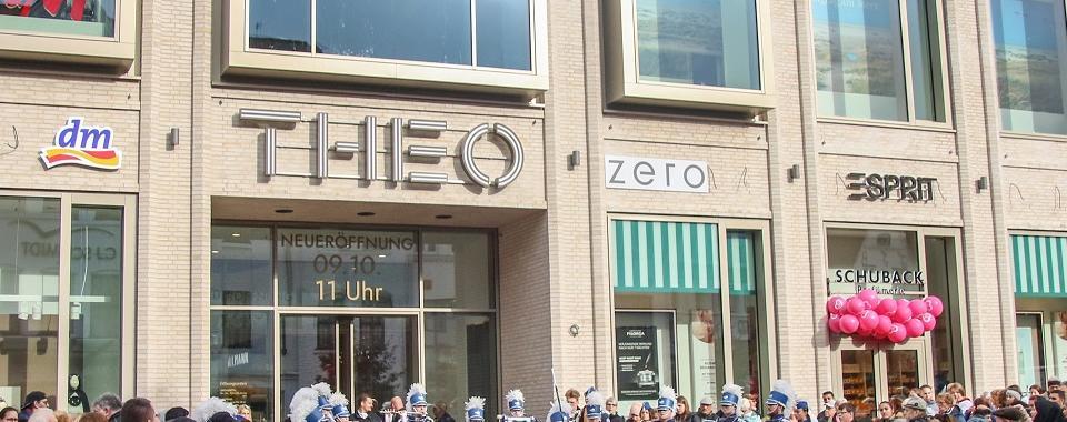 THEO Mega-Eröffnung mit 35.000 Besuchern im neuen Shopping Center in Husum
