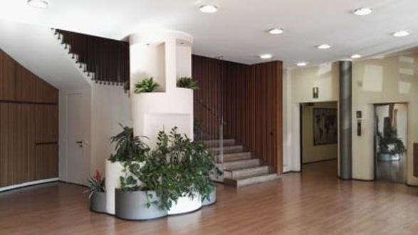 Palazzo uffici in vendita a milano viale sarca 336 for Uffici a milano